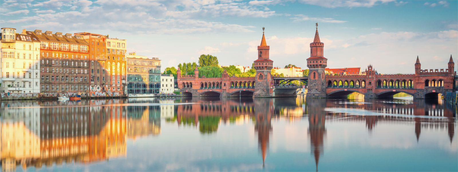 Oberbaumbrücke over de Spree in Berlijn