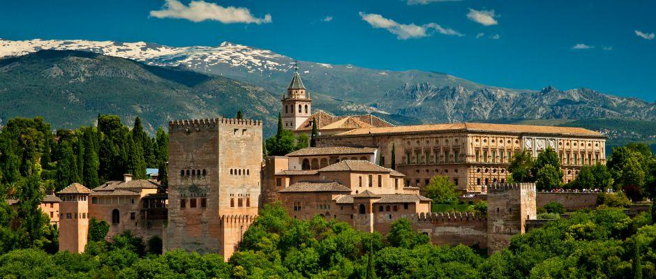 Barcelona-Granada | Trenes, Autobuses y Vuelos | GoEuro